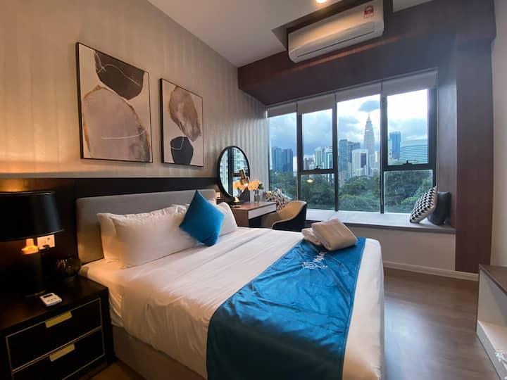 「HOT」 KLCC View Room |SmartTV|SkyPool Staycation❣