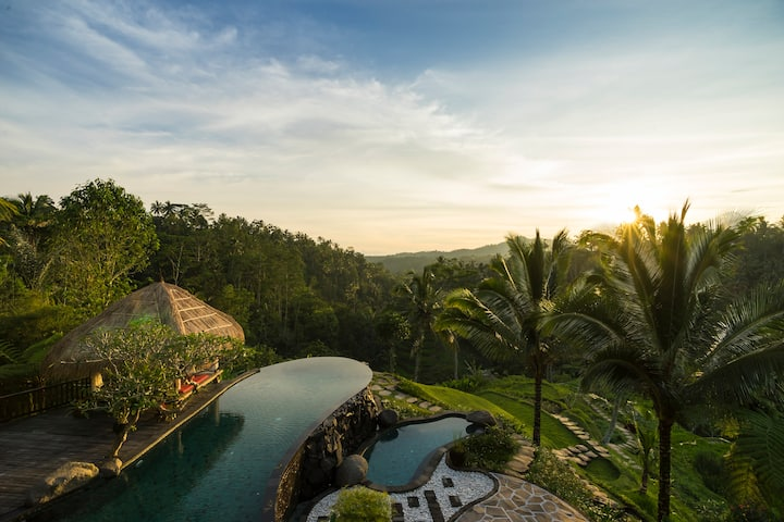 *Blissful Getaway Staycation+Sunrise+InfinityPool*