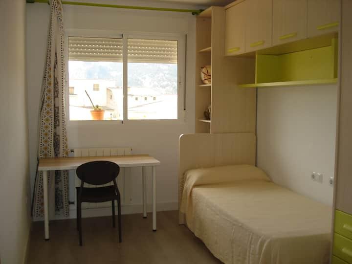 Habitacion en apartamento moderno