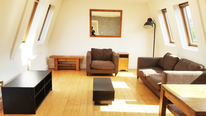 2 Bed Apartment in Camden Town with Roof Terrace