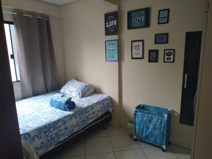Apartamento com quarto de casal ou solteiro em FB