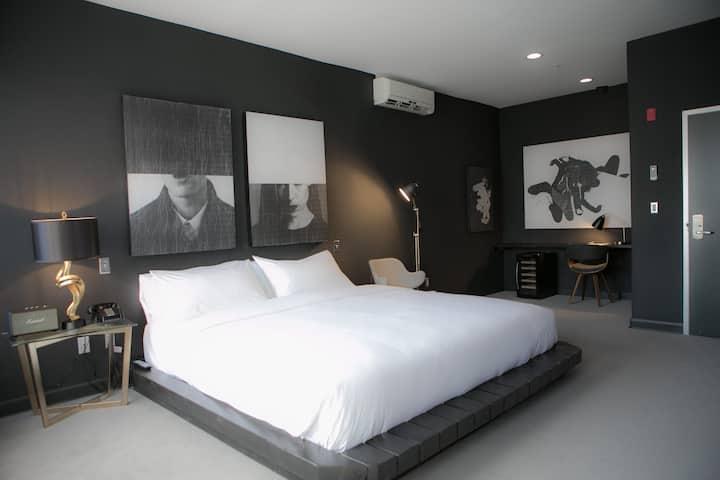 Tuck Hotel - Deluxe Room