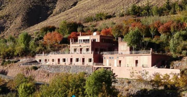 Maison au pied du Toubkal: chambres privées