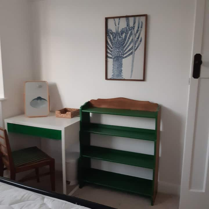 Bright tastefully decorated double room.