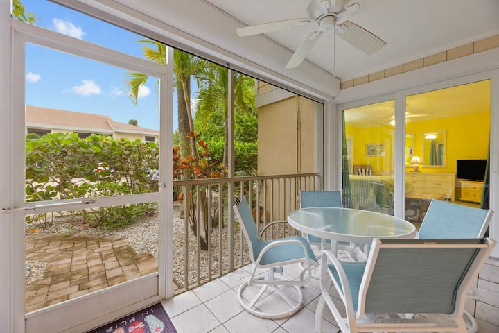 Exclusive Ground Floor Villa Sanibel Beach Oasis