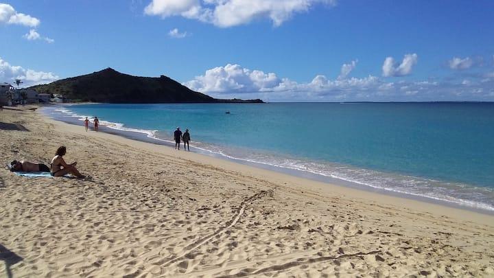 Grand Case à 50m de la plage. Le Bounty Appt. N°9