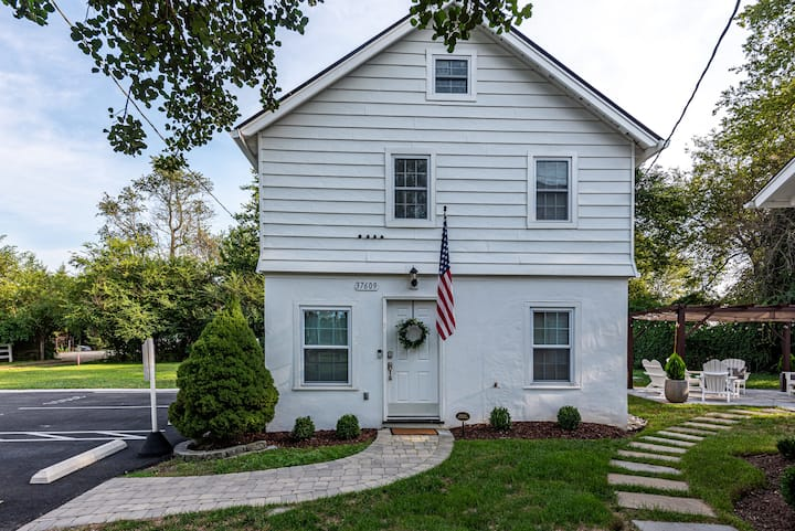 Cozy Middleburg Home with 2 Bedrooms 1 Bath