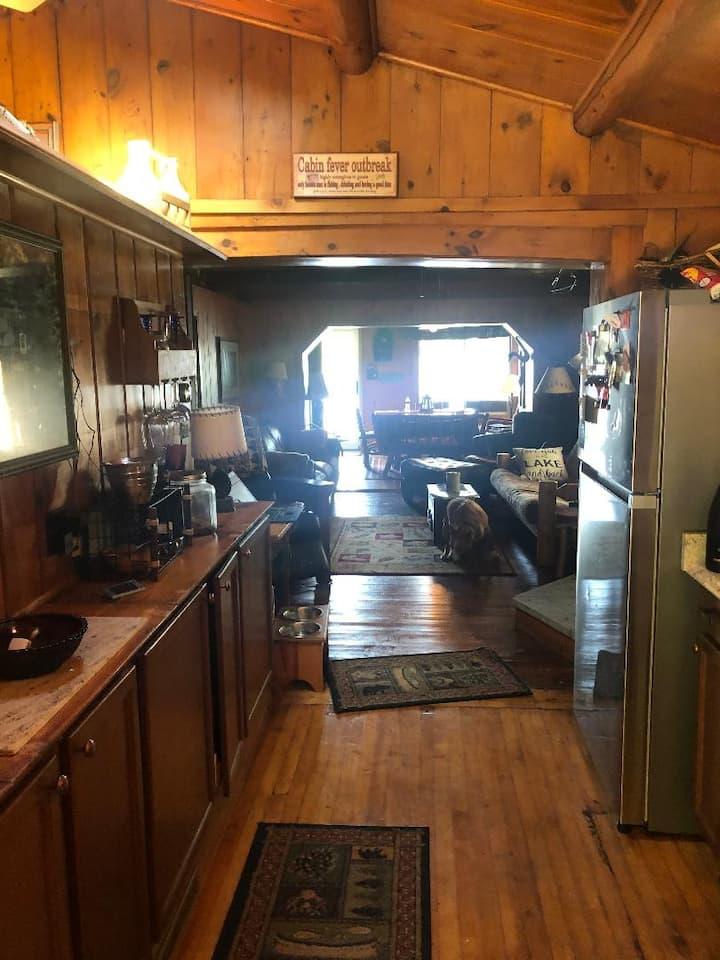 Cozy Cabin Retreat for Year Round Fun!