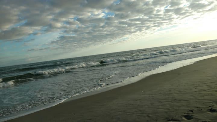 Atlantic Beach-Amazing sound view, 3 min to beach