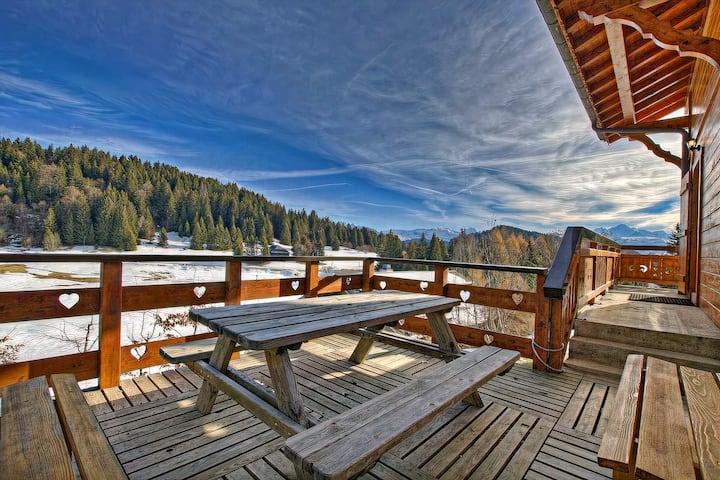 Vue sur le Mont-Blanc pour ce chalet spacieux