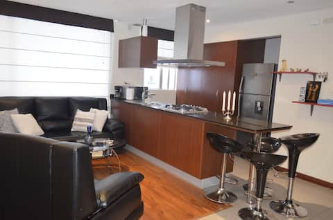 Stylish, Luxe & Modern APT, @ downtown UIO Pradera