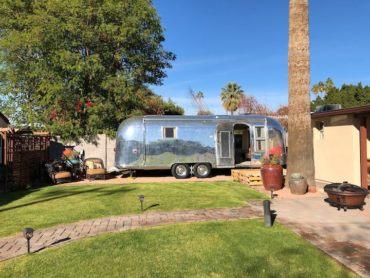 Vintage Airstream w/Private Parking & Entrance