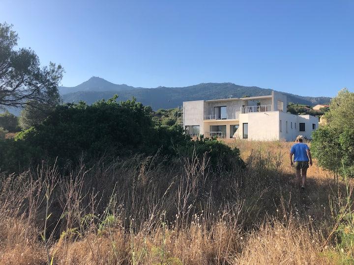 Villa corse du sud  face à la mer