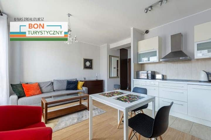 Bright and Charming Apartment• Old Town• Sz7/20