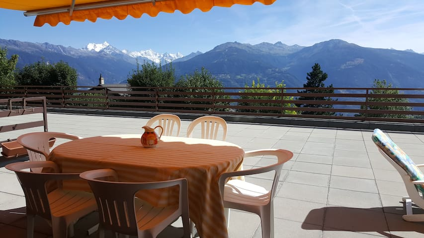 Sunny 2 BR w large terrace, stunning views & pool