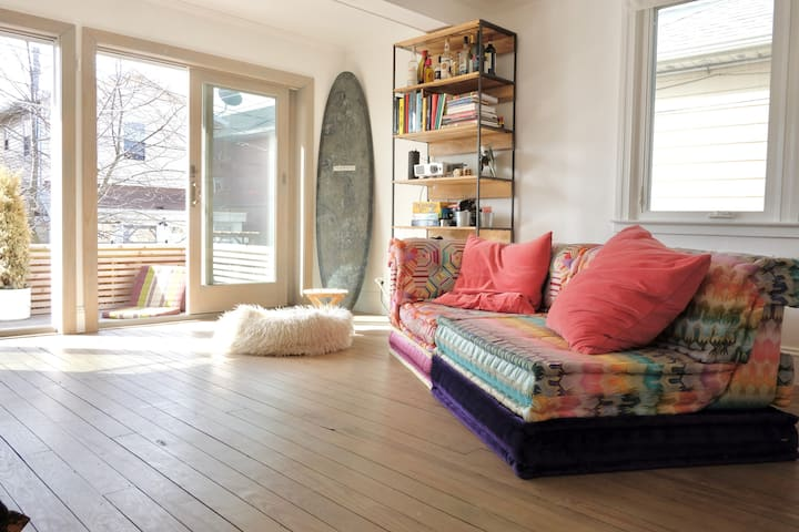 Charming Rockaway Beach, 3-story-bungalow.