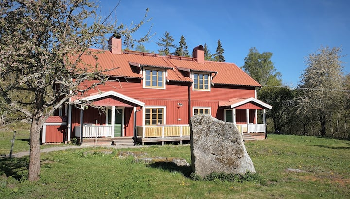 Quiet hideaway on historic island in Lake Mälaren