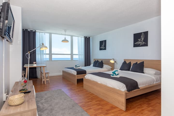 ★★★★★ Oceanfront View Brand New Apt free Parking
