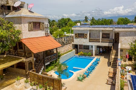 Marcial Eagle - Swimming Pool 3 Persons (B&B)