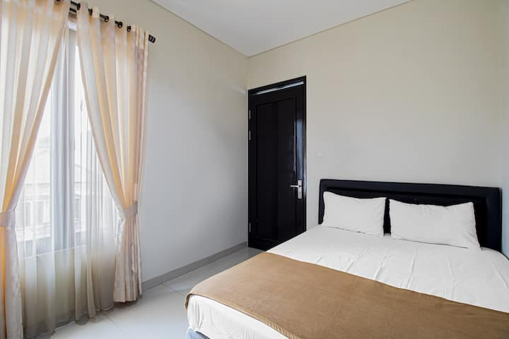 Cozy Room at Guest House at Tubagus Ismail 29