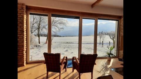 Haus inmitten der Natur: mit Panoramablick & Sauna