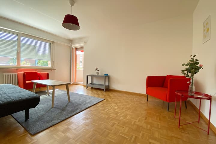 Sunny apartment near park, 2 bedrooms, 1st floor