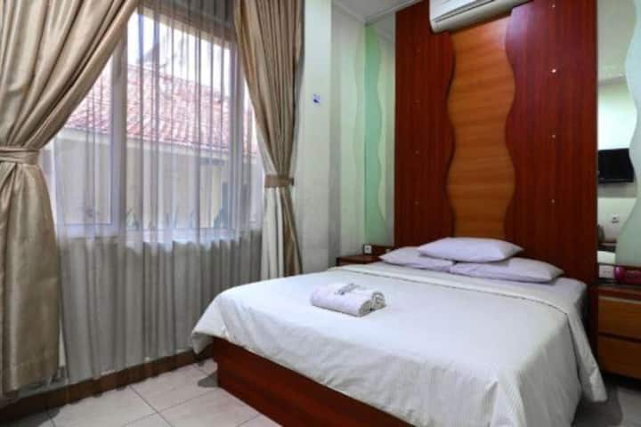Breezy Hotel in City Center at Puma Bandung