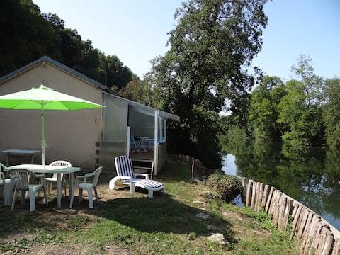Maisonnette au Bord du Loir