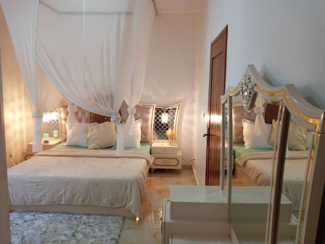 Séjour relax dans une villa / Plage à 400m/Nianing