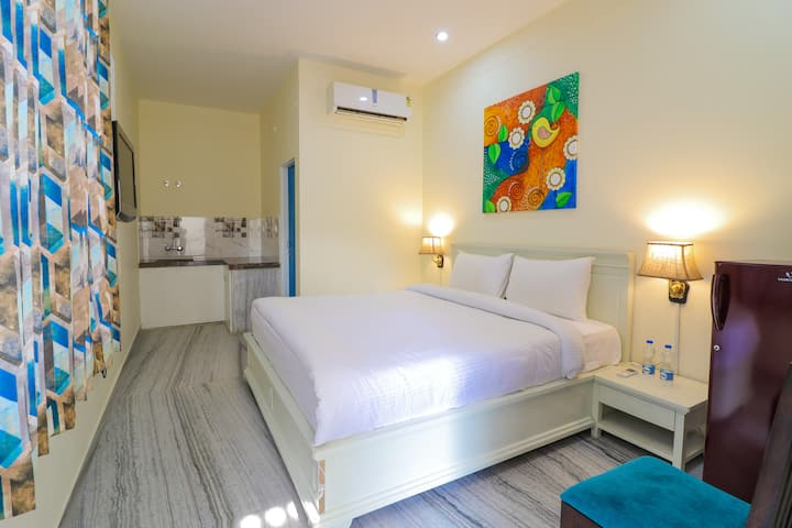 Private Luxury Room with 3 star facility