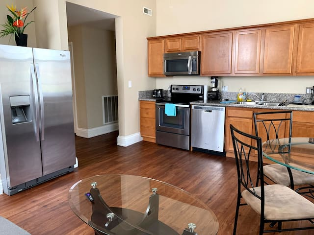 Comfort, Location, Free parking, Free laundry=HOME