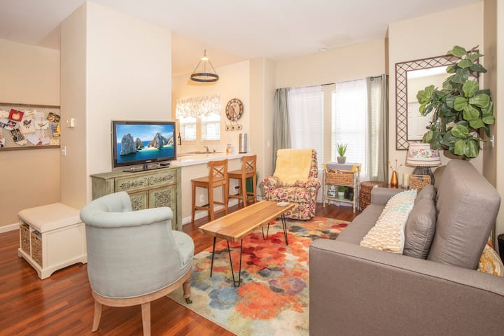 Condo 15 minutes to the Beach/ Everything included
