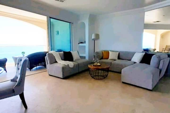 Beautiful Ocean view apartment in  Rosarito!