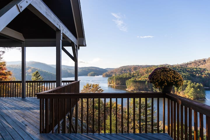 Cliffside Views of Lake Glenville ~10m to Cashiers