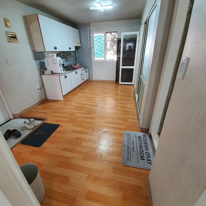 [아늑하고 편안한 아파트 및 게스트하우스][comfortable house]