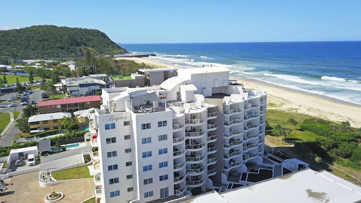 Absolute Beachfront Apartments Hinterland View