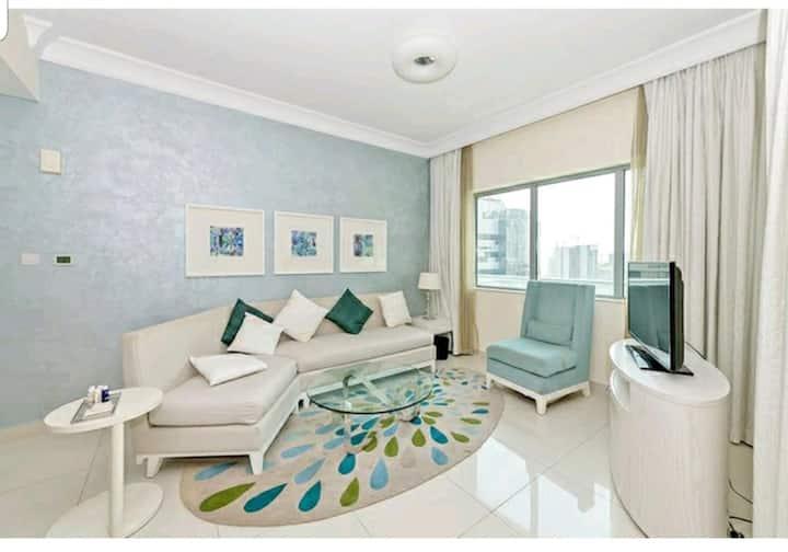 Luxurious One bedroom, high floor-Downtown