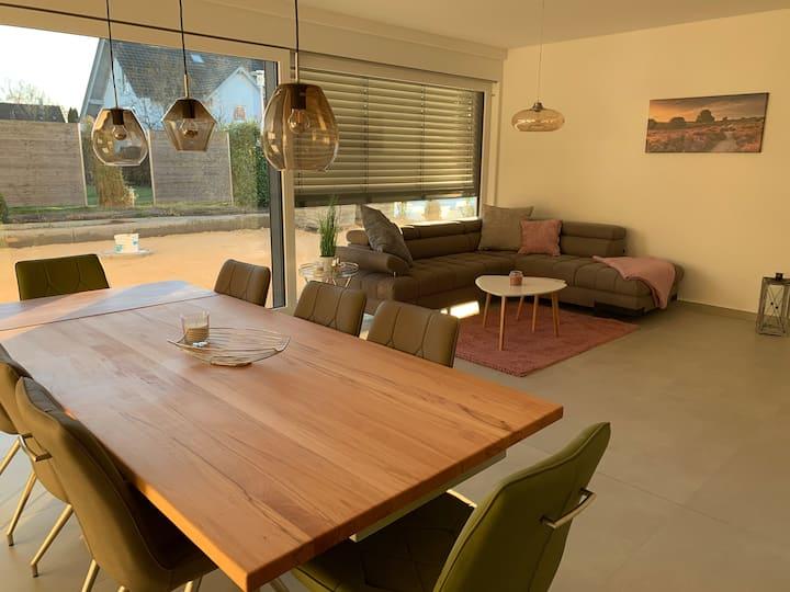 Apartment 7 - helle & moderne Doppelhaushälfte