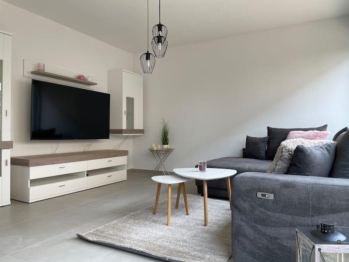 Apartment 5 - helle & moderne Doppelhaushälfte