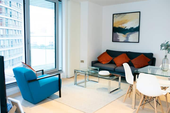 NEW Luxury - Canary Wharf 2 bedroom apartment