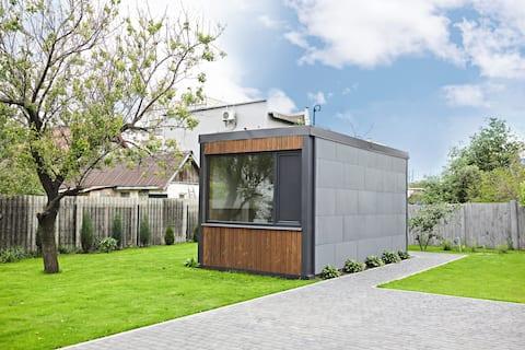 Scandi mini-house w centrum miasta.