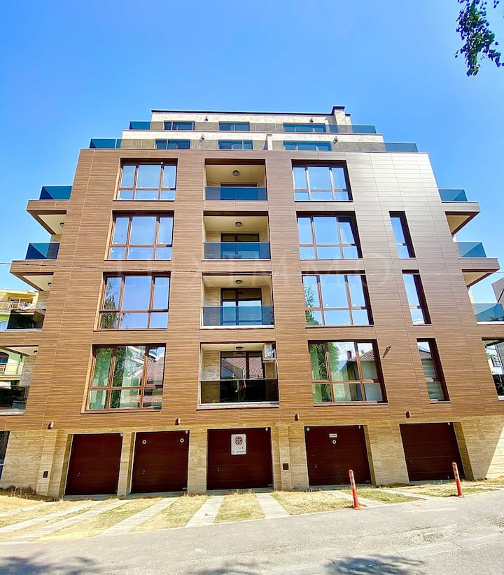 Просторен нов апартамент 70кв. в сграда 2020 г