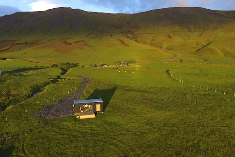 Gorgeous Seljalandsfoss cottage