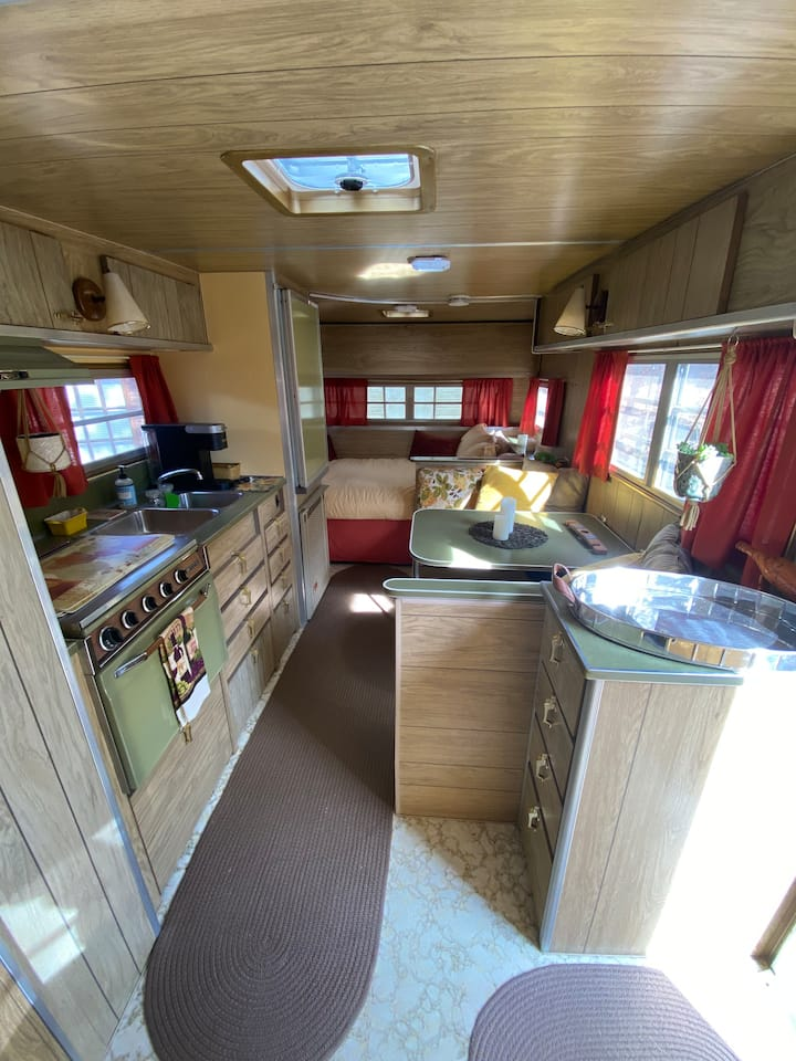 Quaint Vintage Trailer Wine Country Retreat