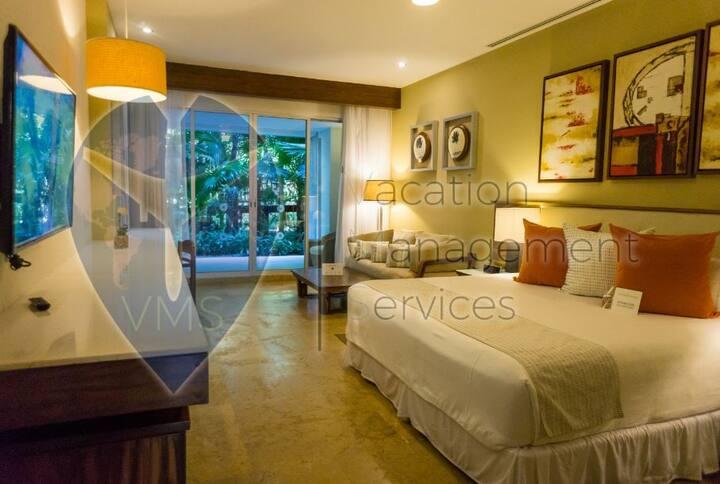 Beautiful Room at Mayan Palace (Acapulco)