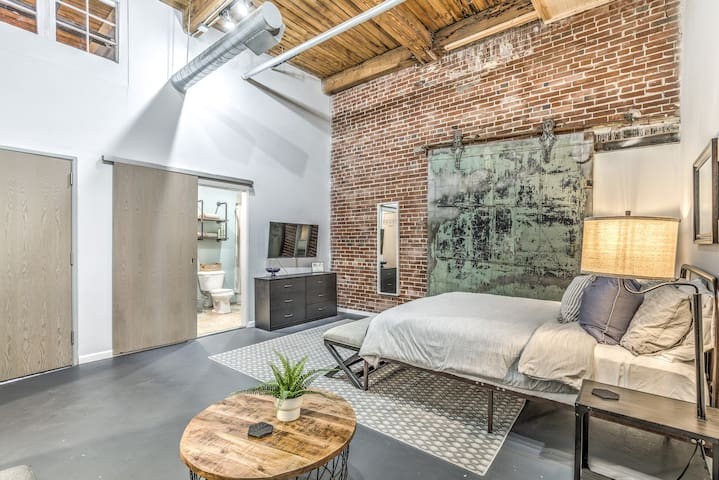 2nd Floor Bedroom Suite