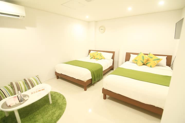 4B-Walk distance to Kokusai st, beach&monorail Sta
