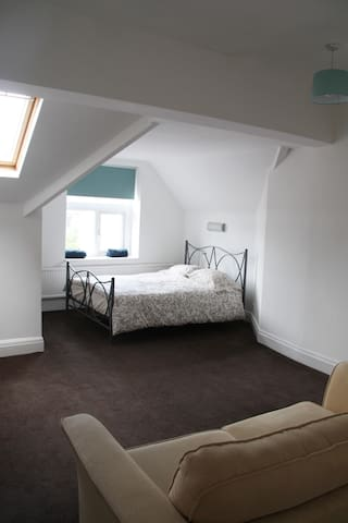 Family bedroom with sofabed