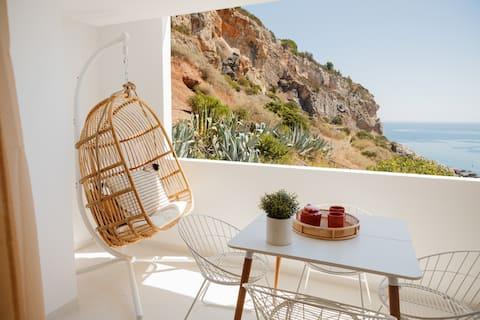 Sesimbra Beach House by Saudade