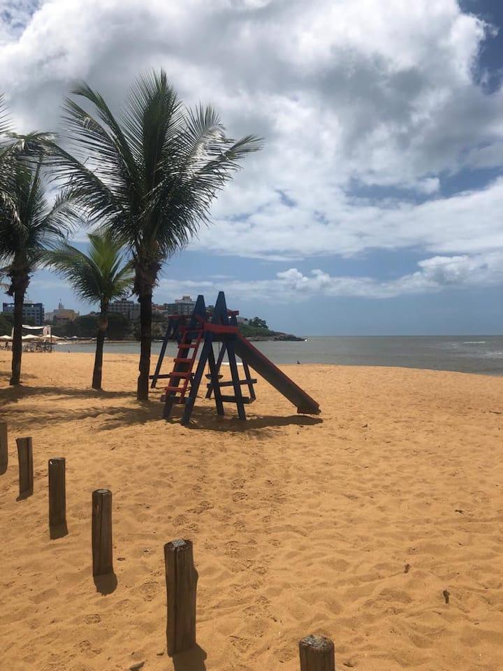 Casa espaçosa a 3 min da praia Areia Preta